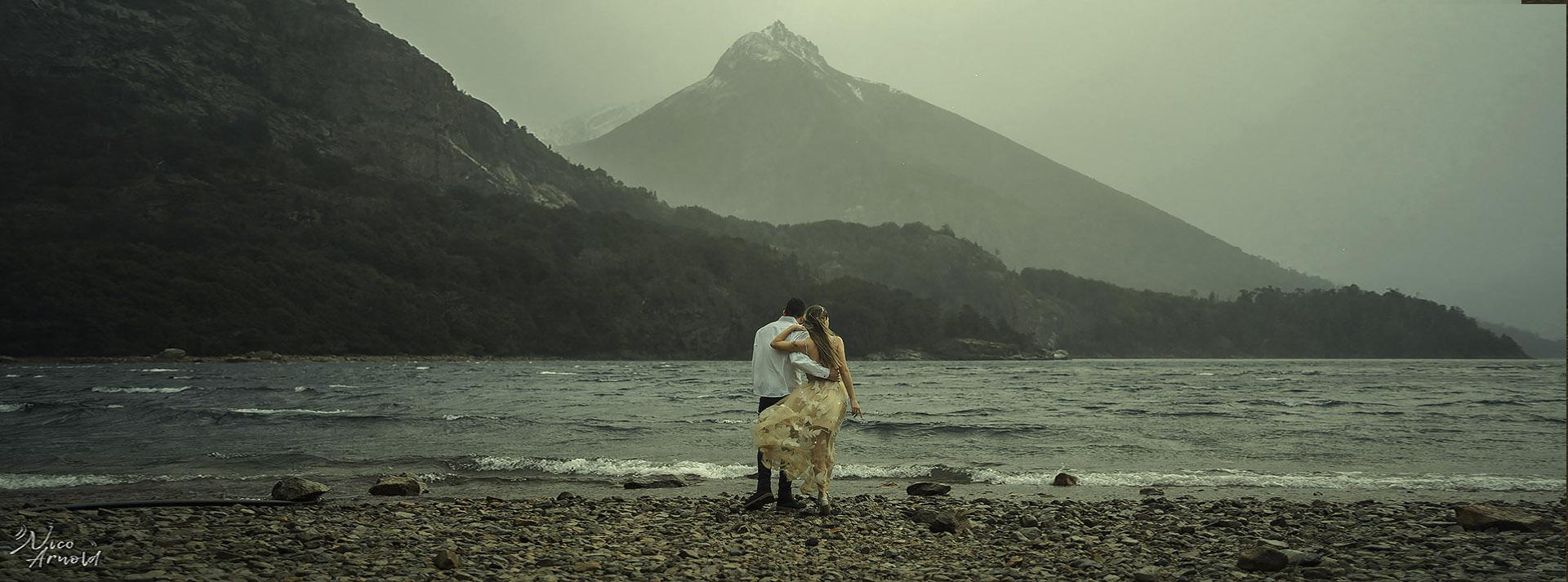 Boda en BarilocheFotografo de bodas en Bariloche Viaje romantico a BarilocheFotógrafo en la PatagoniaSesión de fotos en Bariloche Ensaio de casal Casamento no Bariloche fotógrafo de bodas a destinoSesión en la nieveFotos en la nievefotógrafo de bodas en argentinaCasamiento no Bariloche Ensaio no Bariloche